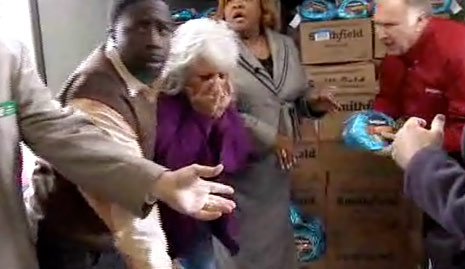 paula deen hit in face by a ham