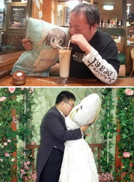 man marries dakimakura pillow